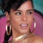 5 Best Type of Earrings to Wear for Sensitive Ears