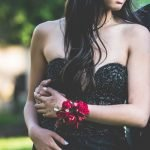 What Jewelry to Wear with Prom Dress