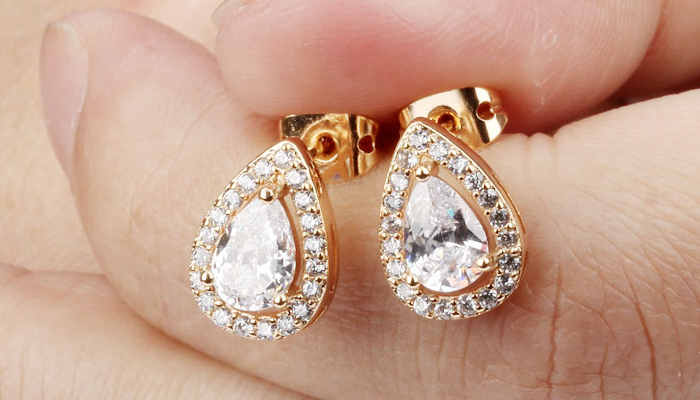 Small Gold Earrings Designs for Daily Use
