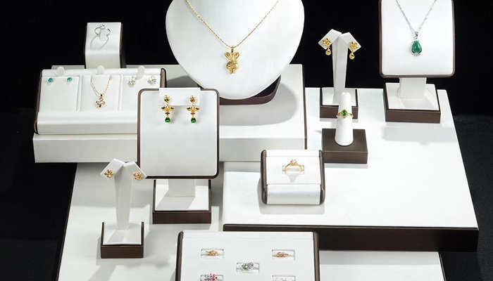 What Metal Jewelry is Hypoallergenic