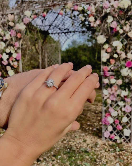 Do I Wear My Engagement Ring at My Wedding Ceremony