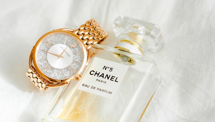 Top 7 Reasons Why Chinese Buy Luxury Goods