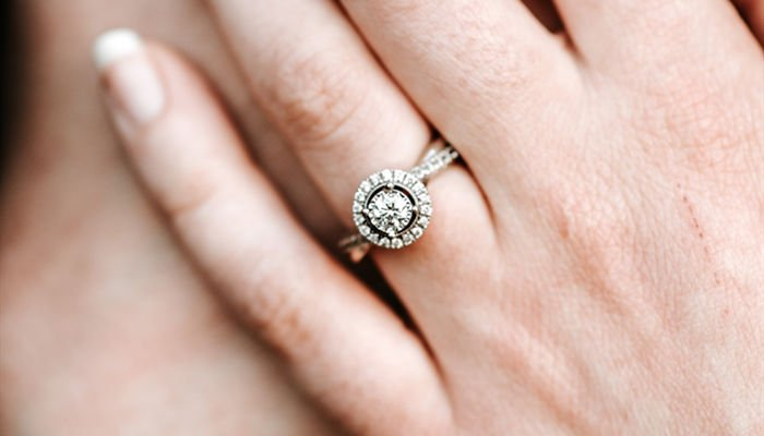 Should You Wear Your Engagement Ring All The Time