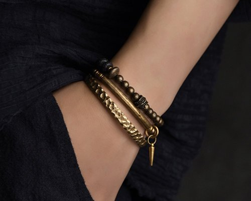 Drawbacks of Bronze Jewelry