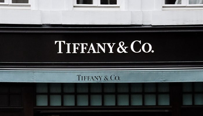 Cartier vs. Tiffany vs. De Beers