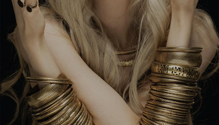How Many Bangles Should You Wear?(With Tips)