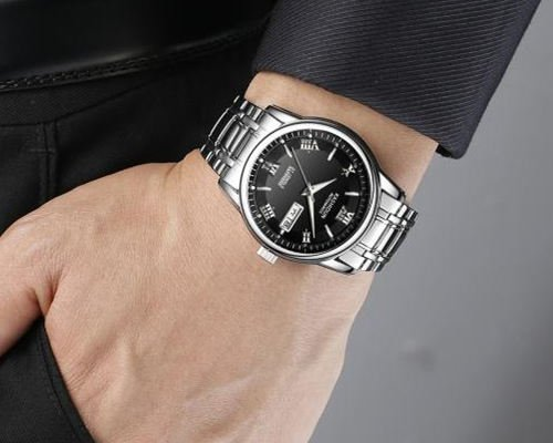 Brushed Vs Polished Stainless Steel Watch