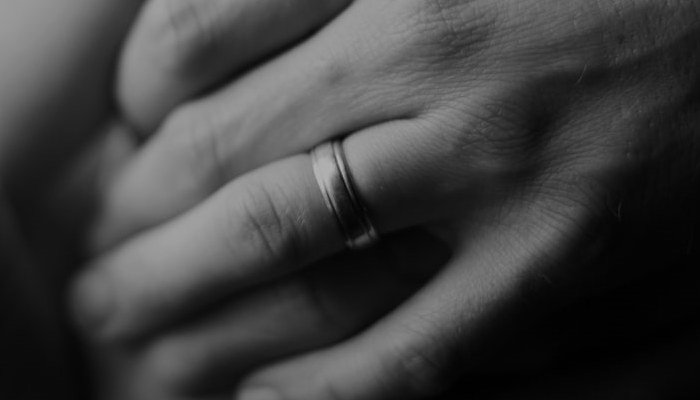 What Finger Does A Wedding Ring Go On
