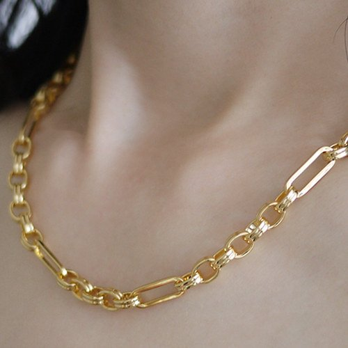 Allergic To Gold Necklace (Reasons and Solutions)