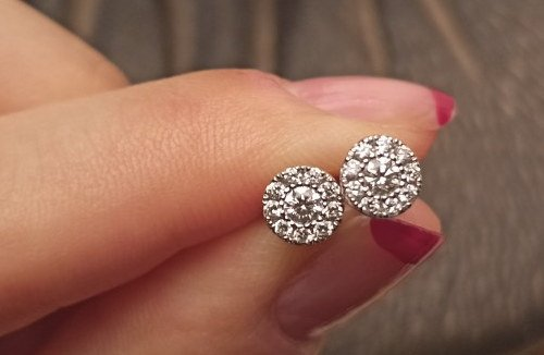 Allergic To White Gold Earrings – Is It Normal?