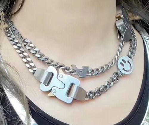 Is Aluminum Jewelry Safe To Wear