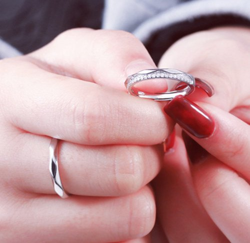 Someone you when do a ring give promise 10 Ways