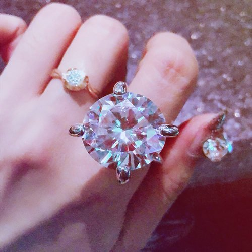 Are Big Rings In Fashion