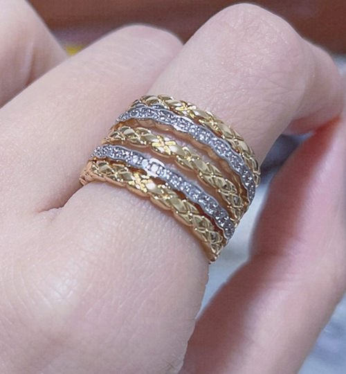 Can Jewelry Cause Joint Pain