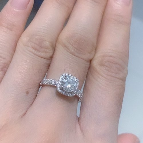 Should You Buy Non-diamond Engagement Rings