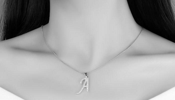Может ожерелья вызвать темные шеи