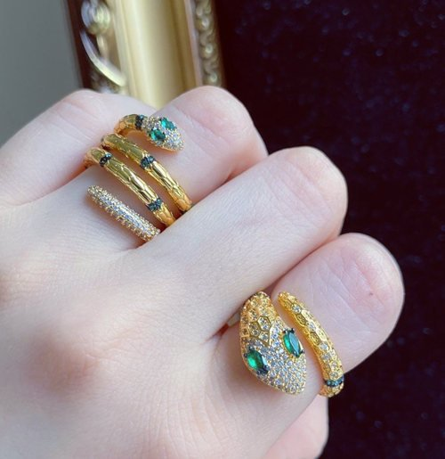 7 Little-known Benefits of Wearing Gold Snake Ring