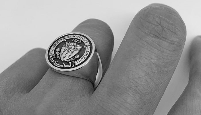 Should I Get A Class Ring In College