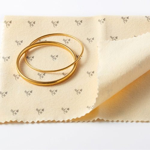 What's The Difference Between Gold and Silver Polishing Cloths