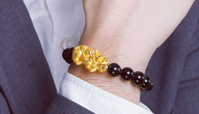How to Wear Pixiu Bracelet That Brings You Wealth