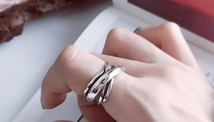 How To Keep Stacked Rings From Spinning