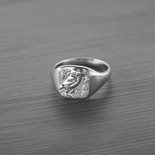 What Is A Family Crest Ring