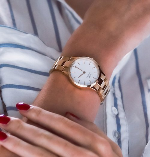 Tips For Wearing A Gold Watch Everyday