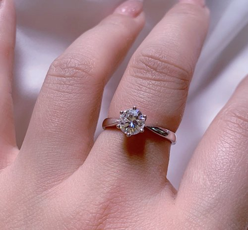 Is It Common For Small Diamonds To Fall Out Of Rings